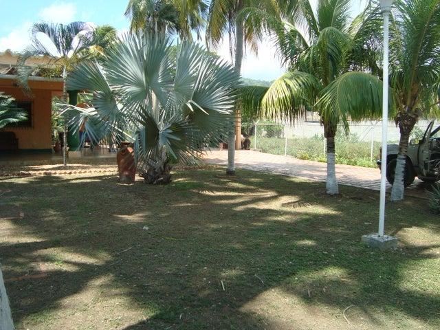 Casa Falcon>Tucacas>Morrocoy - Venta:1.440.000.000 Bolivares - codigo: 16-16680