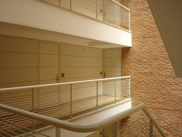 Apartamento Distrito Metropolitano>Caracas>Campo Alegre - Alquiler:600.000.000 Bolivares Fuertes - codigo: 16-16687