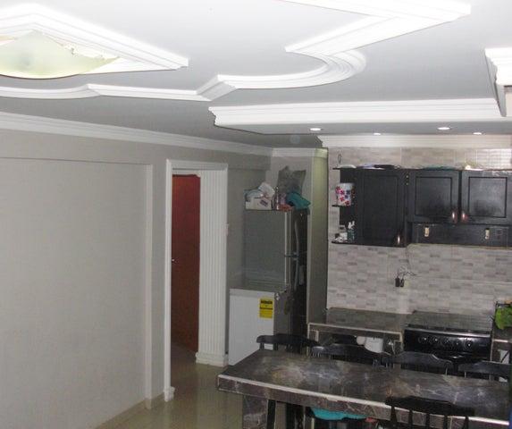 Apartamento Falcon>Coro>Av Manaure - Venta:60.000.000 Bolivares Fuertes - codigo: 16-14657