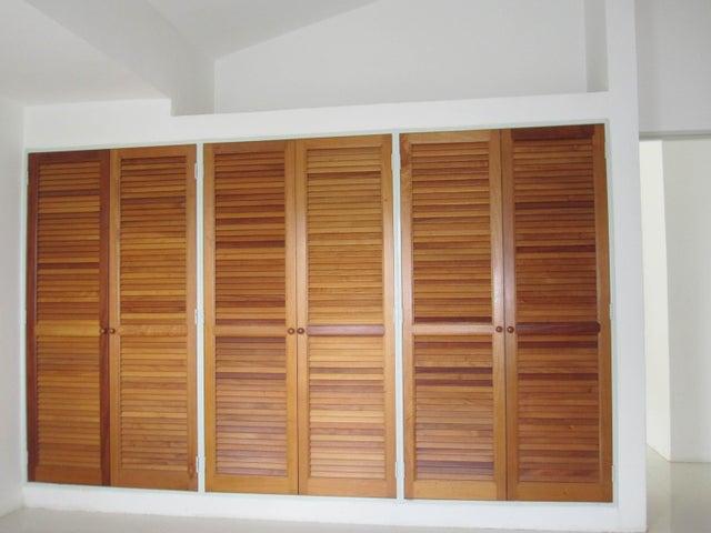 Apartamento Miranda>San Antonio de los Altos>Las Salias - Venta:148.501.000.000 Precio Referencial - codigo: 16-16715