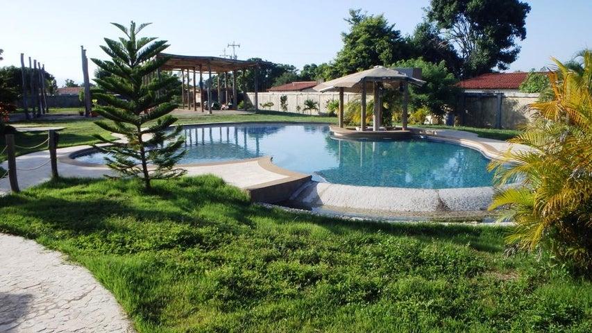Casa Miranda>Higuerote>Higuerote - Venta:31.513.000.000 Precio Referencial - codigo: 16-16853
