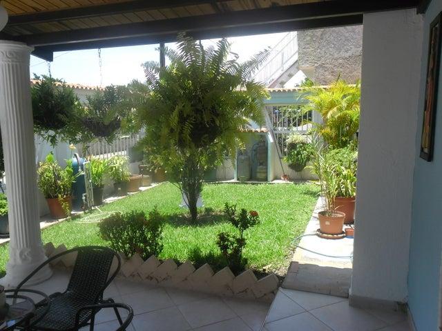 Casa Carabobo>Municipio Los Guayos>Paraparal - Venta:2.400.000.000 Bolivares - codigo: 16-16807