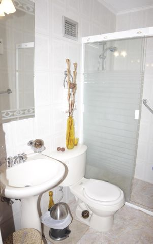Apartamento Distrito Metropolitano>Caracas>Los Samanes - Venta:9.053.000.000 Bolivares Fuertes - codigo: 16-16874
