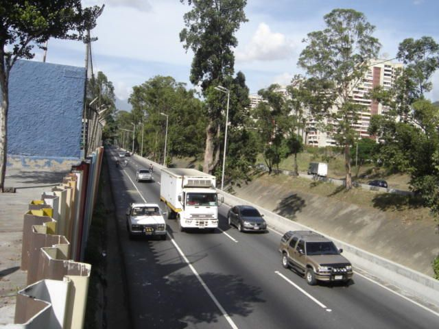 Galpon - Deposito Distrito Metropolitano>Caracas>Antimano - Venta:678.953.000.000 Bolivares - codigo: 16-16843