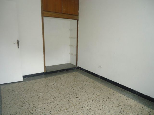 Local Comercial Carabobo>Valencia>Centro - Alquiler:180.000 Bolivares - codigo: 16-16852