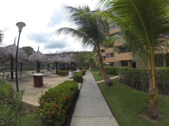 Apartamento Miranda>Higuerote>Agua Sal - Venta:5.170.000.000 Bolivares Fuertes - codigo: 16-16885