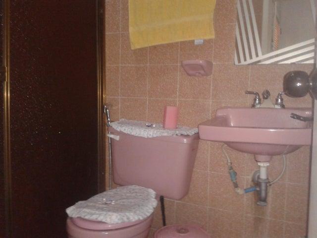 Casa Aragua>Maracay>Los Samanes - Venta:7.000.000.000 Bolivares - codigo: 16-16895