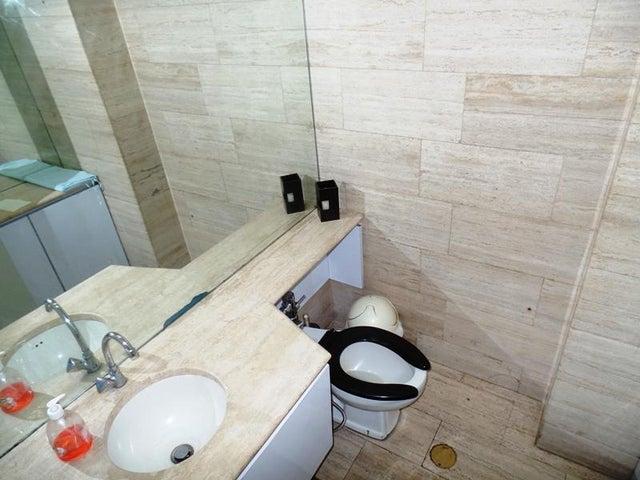 Apartamento Distrito Metropolitano>Caracas>La Campiña - Venta:65.000 Precio Referencial - codigo: 16-16914