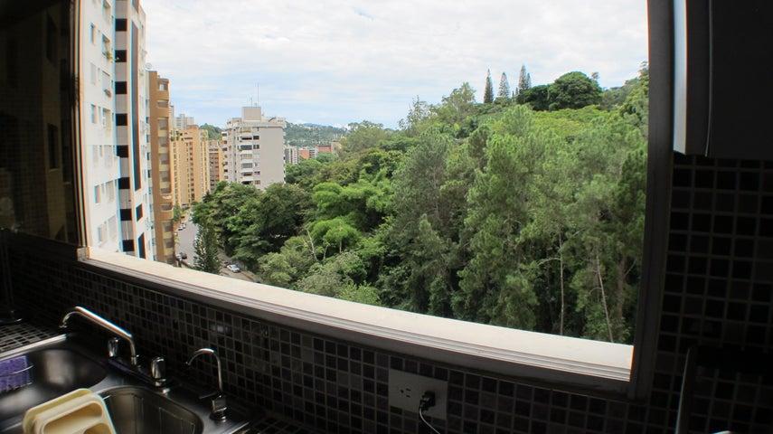 Apartamento Distrito Metropolitano>Caracas>Llano Verde - Venta:41.441.000.000 Bolivares Fuertes - codigo: 16-16985