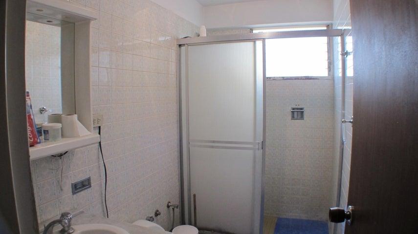 Apartamento Distrito Metropolitano>Caracas>Colinas de Santa Monica - Venta:110.000 Precio Referencial - codigo: 16-16986