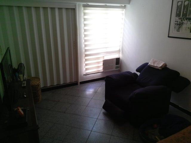 Apartamento Vargas>La Guaira>Sector las Quince Letras - Venta:11.567.000.000 Bolivares Fuertes - codigo: 16-17020