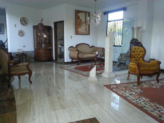 Casa Distrito Metropolitano>Caracas>La Union - Venta:78.460.000.000 Bolivares - codigo: 16-17041