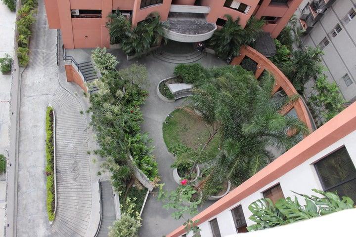 Apartamento Distrito Metropolitano>Caracas>La Florida - Venta:12.220.000.000 Bolivares Fuertes - codigo: 15-15079