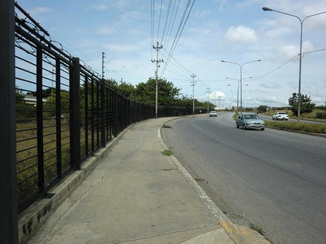 Terreno Lara>Barquisimeto>Parroquia Union - Venta:298.183.000.000 Precio Referencial - codigo: 16-17070