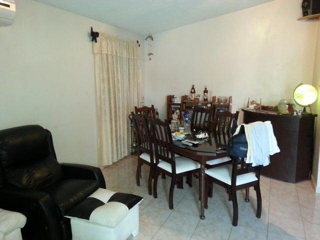 Casa Miranda>San Francisco de Yare>Yare - Venta:2.327.000.000 Bolivares - codigo: 16-17267