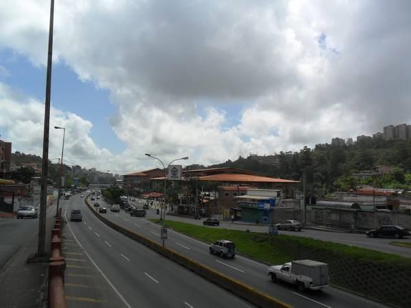 Local Comercial Miranda>San Antonio de los Altos>La Rosaleda - Venta:6.057.000.000 Precio Referencial - codigo: 16-17083