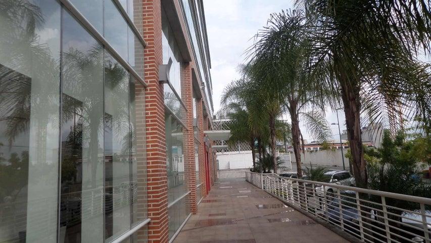 Local Comercial Distrito Metropolitano>Caracas>Boleita Norte - Venta:33.671.000.000 Precio Referencial - codigo: 16-17141
