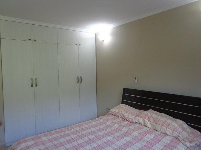 Apartamento Distrito Metropolitano>Caracas>Macaracuay - Venta:70.000 Precio Referencial - codigo: 16-17175