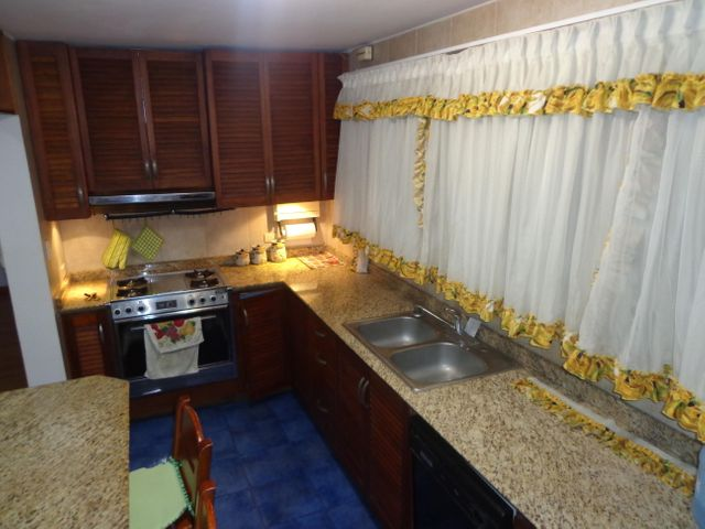 Apartamento Distrito Metropolitano>Caracas>La Trinidad - Venta:82.759.000.000 Precio Referencial - codigo: 16-17177