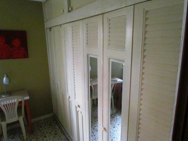 Apartamento Zulia>Maracaibo>Avenida Delicias Norte - Venta:9.053.000.000 Bolivares Fuertes - codigo: 16-17178