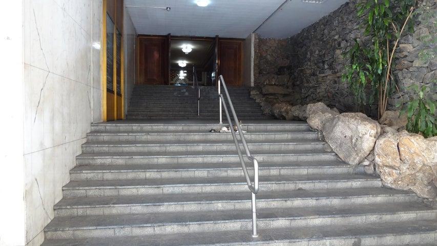 Oficina Distrito Metropolitano>Caracas>Parque Carabobo - Venta:7.050.000.000 Bolivares - codigo: 16-17195