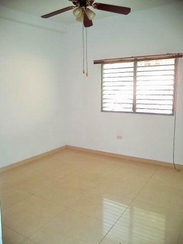 Casa Distrito Metropolitano>Caracas>El Cafetal - Venta:151.261.000.000 Precio Referencial - codigo: 16-8561