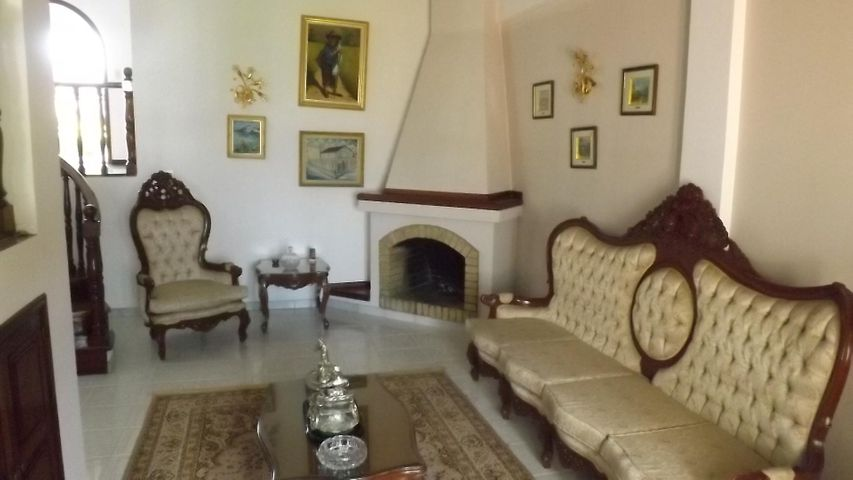 Casa Miranda>San Antonio de los Altos>Club de Campo - Venta:381.292.000.000 Precio Referencial - codigo: 16-17207