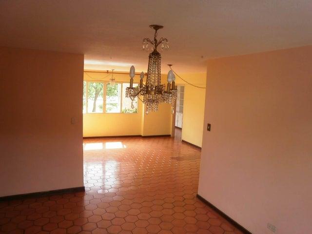 Apartamento Distrito Metropolitano>Caracas>Santa Paula - Venta:16.193.000.000 Bolivares Fuertes - codigo: 16-17224