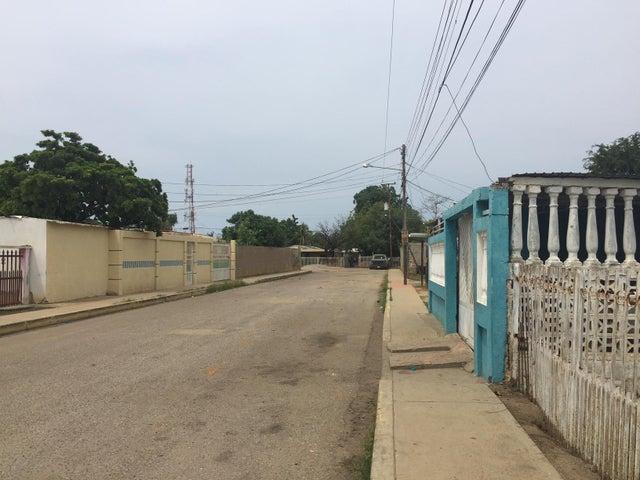 Terreno Zulia>Cabimas>5bocas - Venta:2.000 US Dollar - codigo: 16-18862