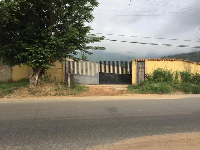 Terreno Carabobo>Municipio San Diego>La Cumaca - Venta:10.000 Precio Referencial - codigo: 16-15933