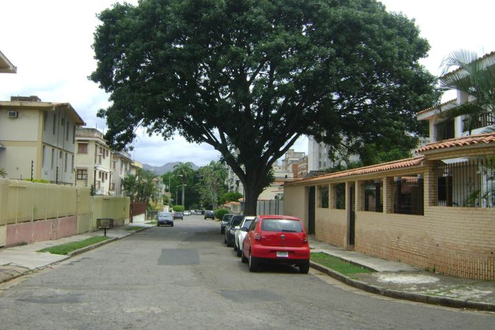 Casa Carabobo>Valencia>La Trigaleña - Venta:3.380.000.000 Bolivares - codigo: 16-17239
