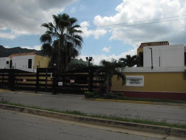 Townhouse Carabobo>Municipio Naguanagua>Tazajal - Venta:70.000.000 Bolivares - codigo: 16-17268