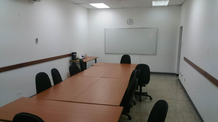 Oficina Distrito Metropolitano>Caracas>Boleita Norte - Alquiler:462.000.000 Bolivares - codigo: 16-17319