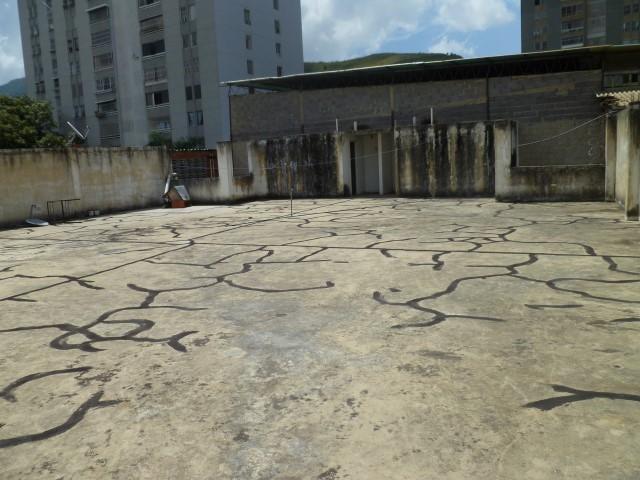 Edificio Distrito Metropolitano>Caracas>Municipio Baruta - Venta:571.159.000.000 Precio Referencial - codigo: 16-17306