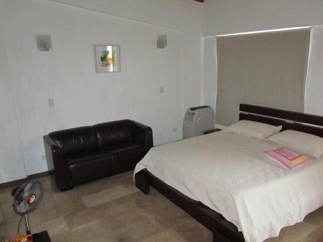 Apartamento Distrito Metropolitano>Caracas>Izcaragua - Venta:63.025.000.000 Precio Referencial - codigo: 16-17334