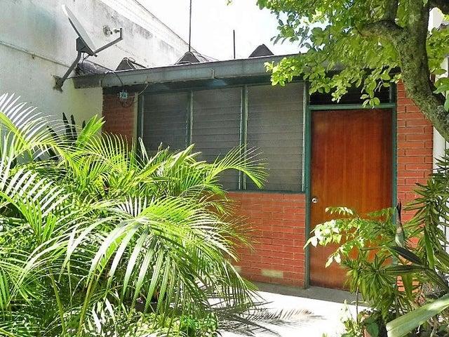 Casa Distrito Metropolitano>Caracas>Macaracuay - Venta:410.233.000.000 Precio Referencial - codigo: 16-17335