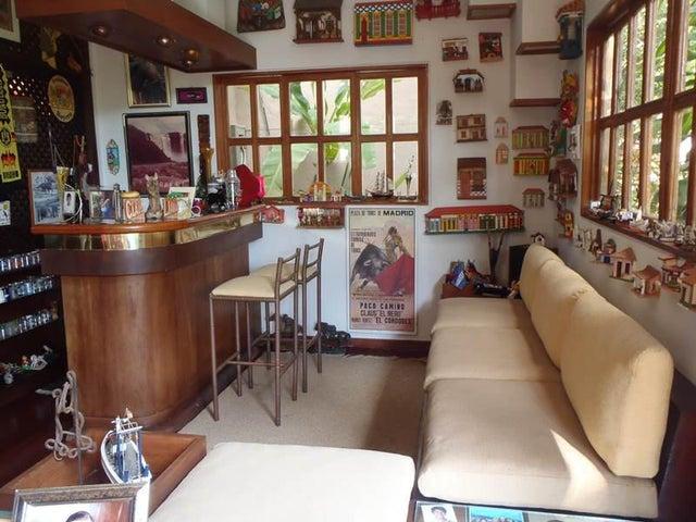 Casa Distrito Metropolitano>Caracas>Prados del Este - Venta:101.843.000.000 Bolivares - codigo: 16-17349