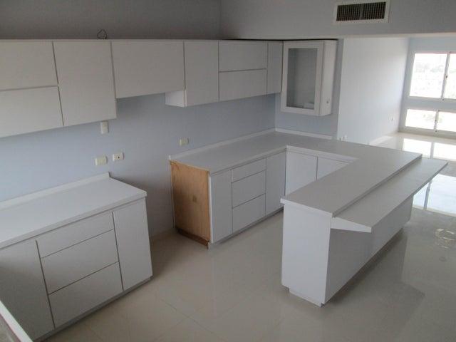 Apartamento Zulia>Maracaibo>Paraiso - Venta:75.000.000 Bolivares Fuertes - codigo: 16-17394