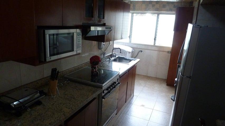 Apartamento Distrito Metropolitano>Caracas>Colinas de Santa Monica - Venta:13.814.000.000 Bolivares Fuertes - codigo: 16-17386