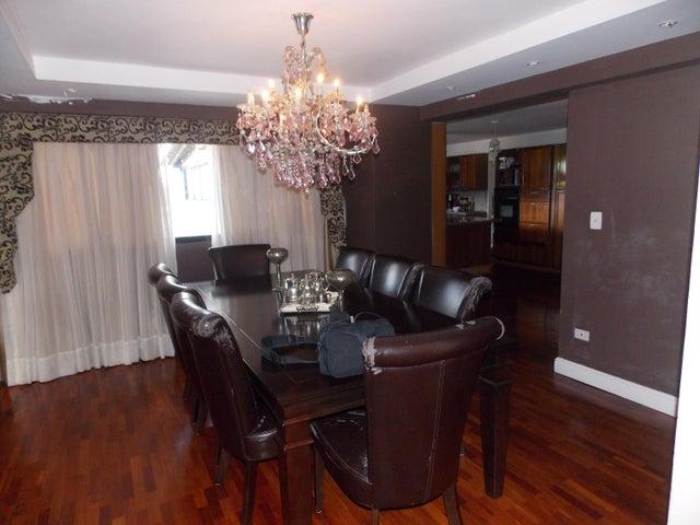 Apartamento Distrito Metropolitano>Caracas>Lomas de Bello Monte - Venta:305.363.000.000 Precio Referencial - codigo: 16-17658