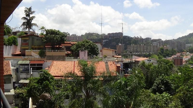 Townhouse Distrito Metropolitano>Caracas>La Trinidad - Venta:55.000.000.000 Bolivares - codigo: 16-17443