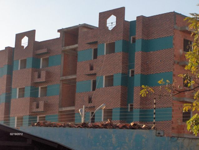 Apartamento Bolivar>Ciudad Bolivar>Av La Paragua - Venta:53.000.000 Bolivares Fuertes - codigo: 16-17460