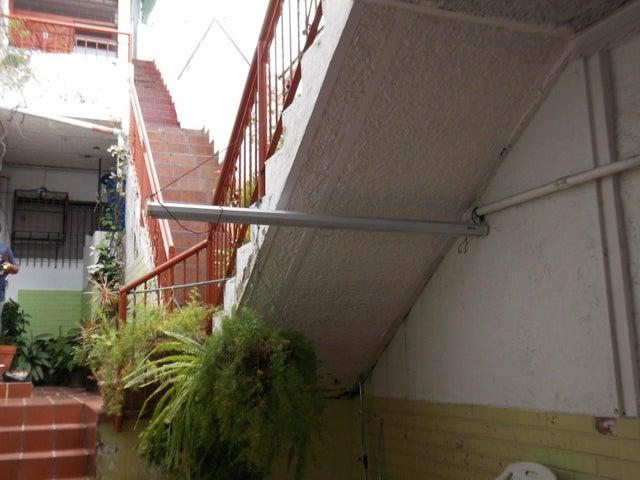 Galpon - Deposito Distrito Metropolitano>Caracas>Las Palmas - Alquiler:16.000.000 Precio Referencial - codigo: 16-17475
