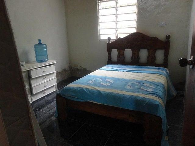 Terreno Distrito Metropolitano>Caracas>Caicaguana - Venta:800.000.000 Bolivares - codigo: 16-17550