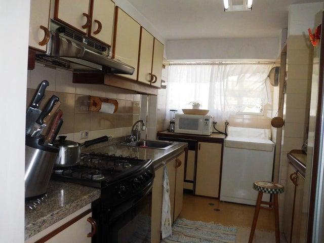 Apartamento Distrito Metropolitano>Caracas>Terrazas del Avila - Venta:123.109.000.000 Precio Referencial - codigo: 16-17568