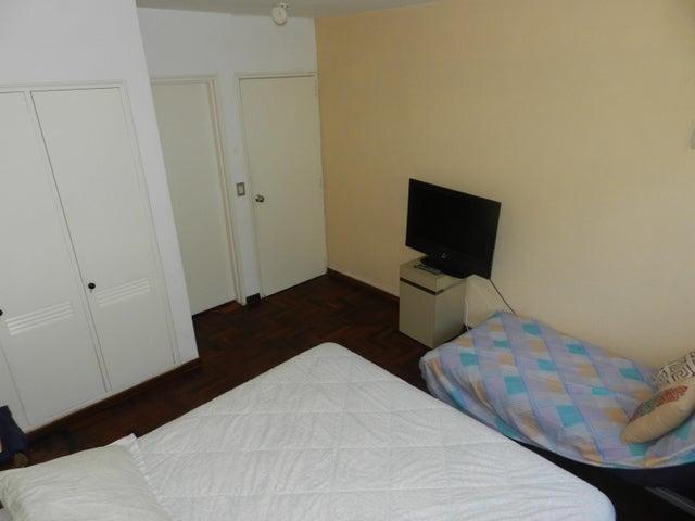 Apartamento Distrito Metropolitano>Caracas>Colinas de Valle Arriba - Venta:274.827.000.000 Precio Referencial - codigo: 16-17569