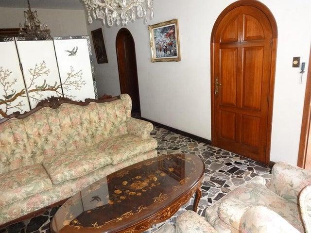 Casa Distrito Metropolitano>Caracas>Santa Monica - Venta:35.250.000.000 Bolivares - codigo: 16-17538
