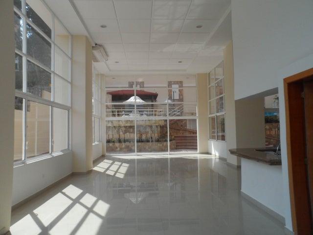 Apartamento Carabobo>Valencia>El Parral - Venta:55.000 Precio Referencial - codigo: 16-17558