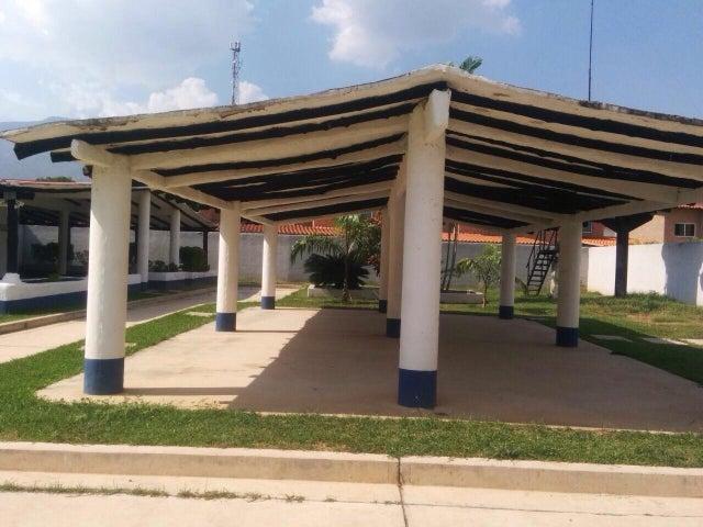 Casa Carabobo>Municipio San Diego>La Josefina I - Venta:2.870.000.000 Bolivares - codigo: 16-17560
