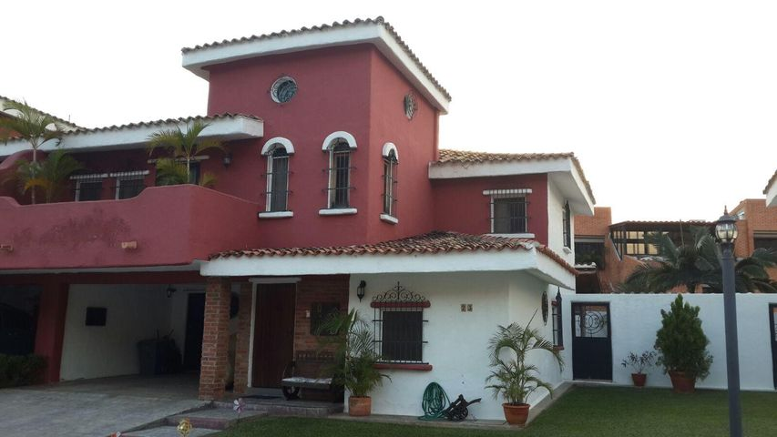 Casa Carabobo>Valencia>Piedra Pintada - Venta:4.600.000.000 Bolivares Fuertes - codigo: 16-17562